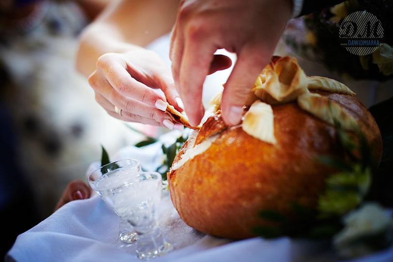 Zdjęcia z wesela z przywitania chlebem i solą