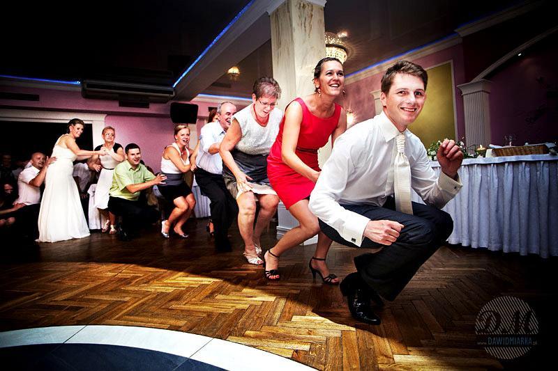 Taneczne zabawy weselne dla dorosłych