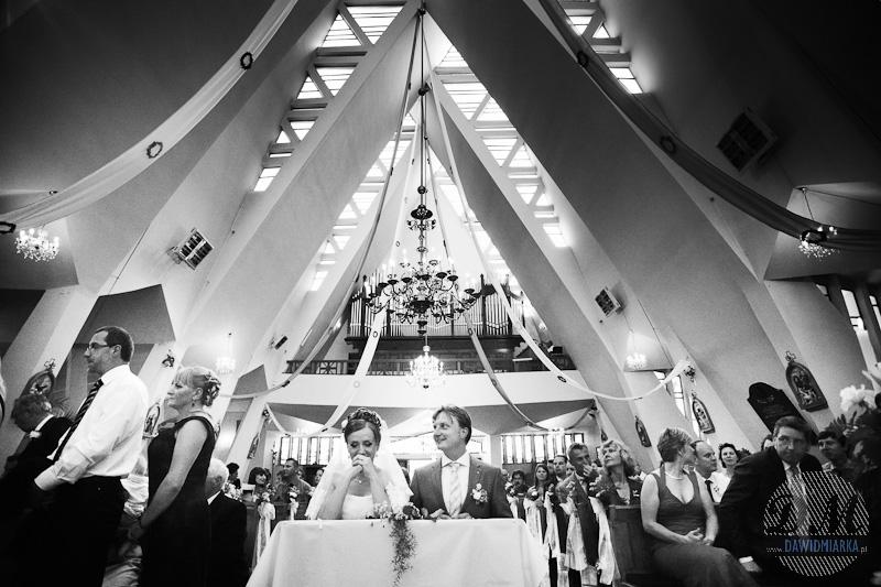 Zdjęcie ze ślubu podczas trwania Komunii Świętej