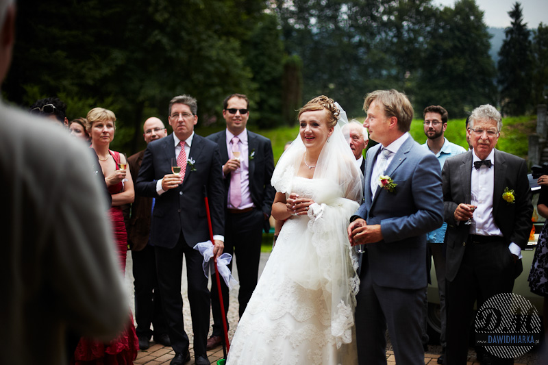 Zdjęcia ślubne z przywitania Nowożeńców- Zakrzów Dwór Senator