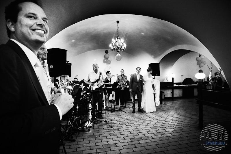 Orkiestra weselna wita Nowożeńców