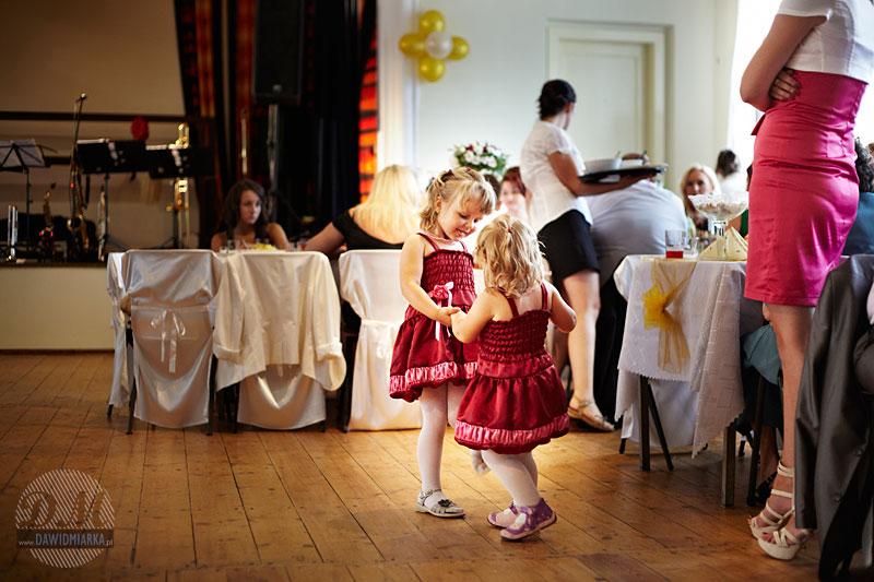Zdjęcia dzieci na weselu