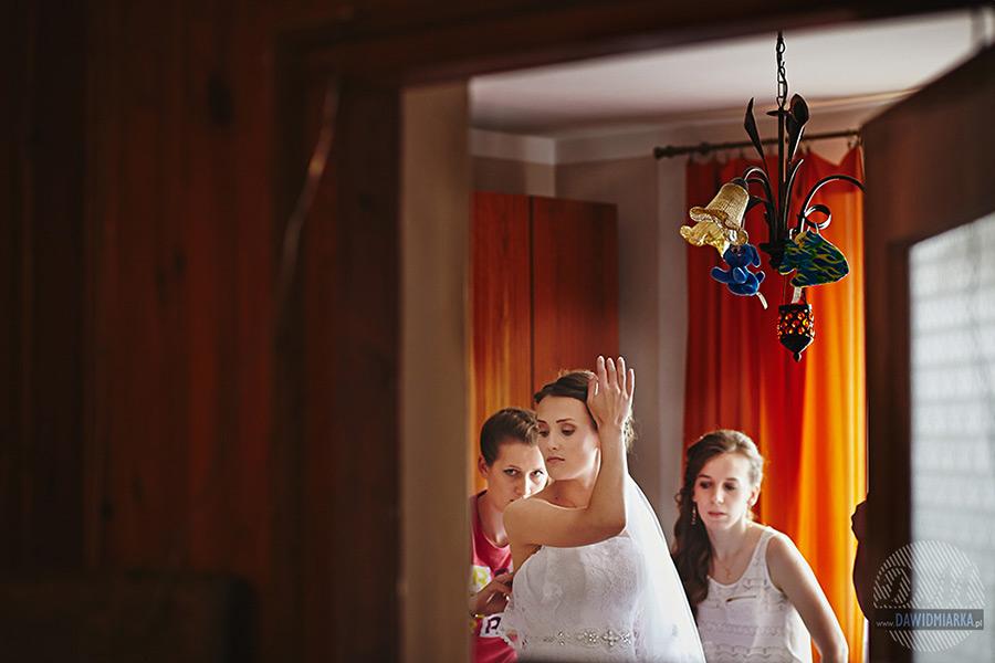 Przygotowania ślubne w Starym Sączu.
