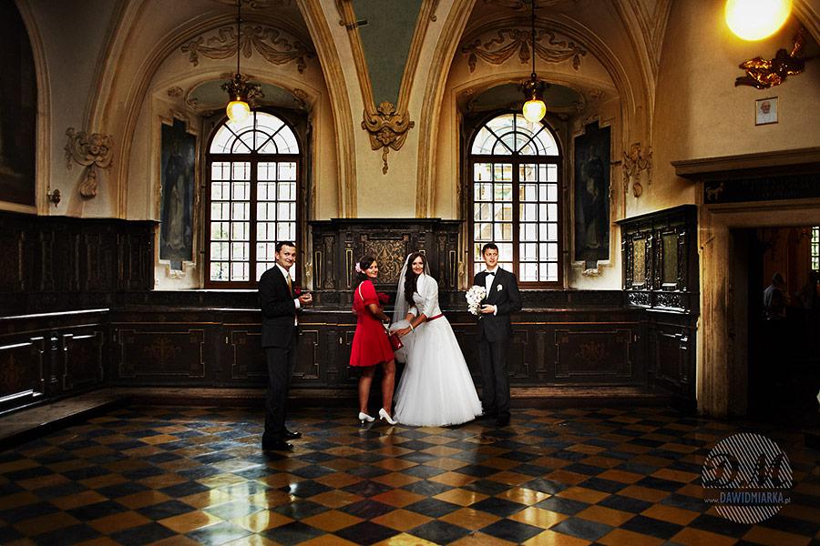Wizytacja w zakrystii przed ślubem.